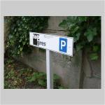 Parkplatzschild B 530 x H 125 mm mit Ständerwerk